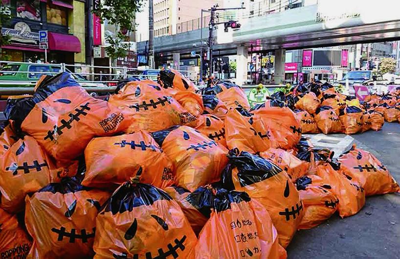 dentsu-inc-trash-bag-of-jack-o-lantern-good-design-award-japan-designboom-003.jpg
