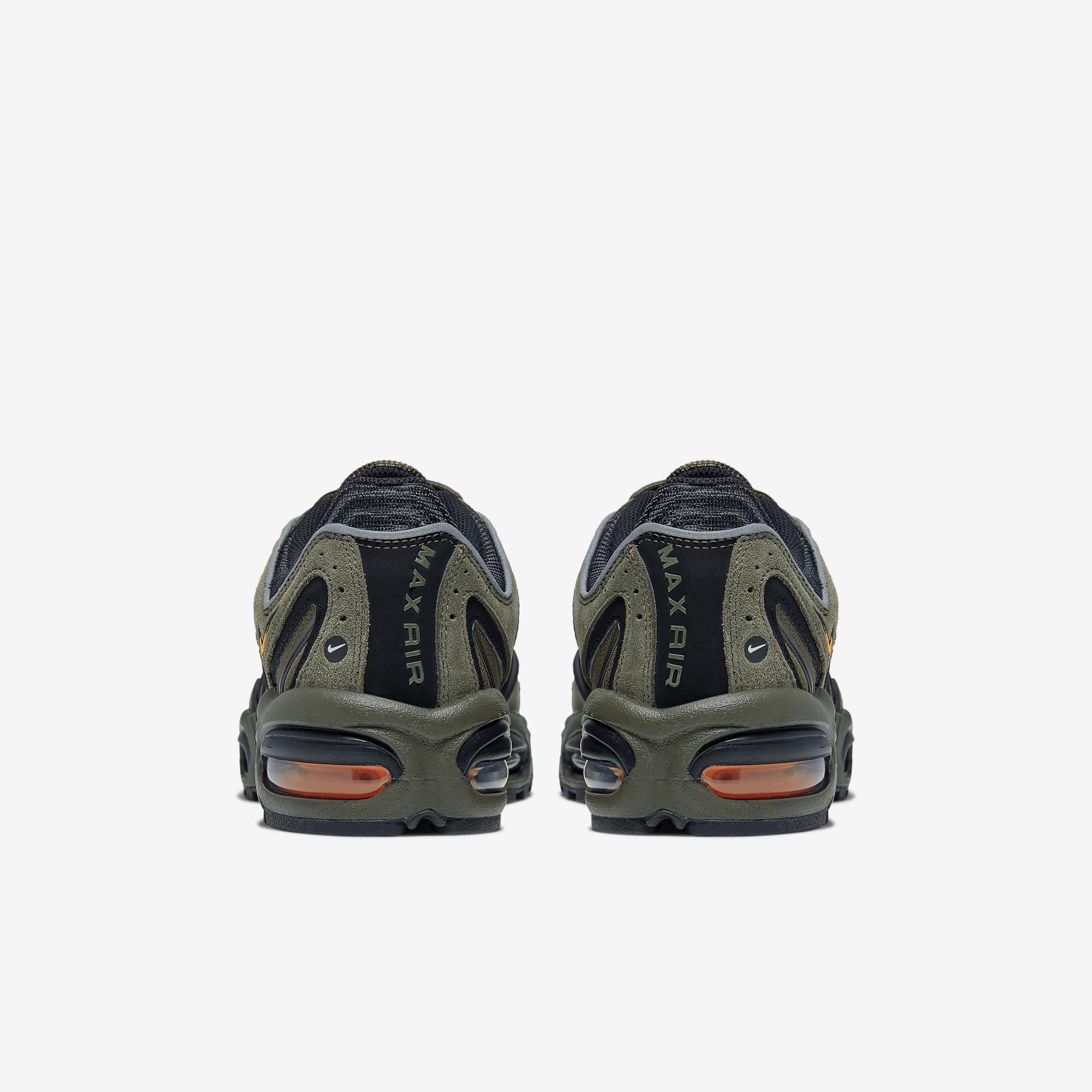 XXXX - CJ9681-300 - 106.png